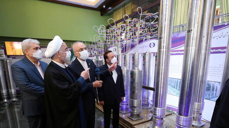 Iranian President Hassan Rouhani reviews Iran's new nuclear achievements during Iran's National Nuclear Energy Day in Tehran, Iran (FILE PHOTO) © Iranian Presidency Office/WANA (West Asia News Agency)/Handout via REUTERS