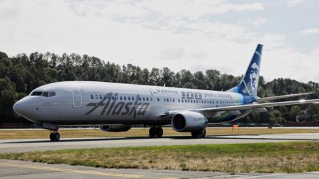 FILE PHOTO. An Alaska Airlines plane in Seattle, Washington, USA. © Reuters / Jason Redmond