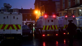 Police targeted with bricks & fireworks during clashes with loyalist youths in Belfast (VIDEOS)
