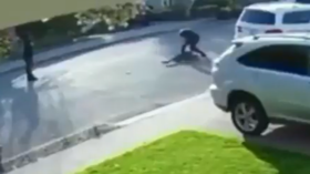 WATCH: Would-be robber SQUEALS LIKE A PIG after being body-slammed & pinned to pavement by his intended victim in viral VIDEO