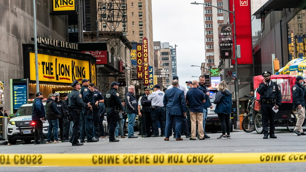 Small child & two bystanders shot as New York City's wave of gun crime arrives in Times Square