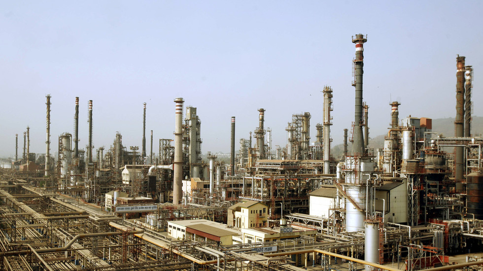 India's refiners prepare for lifting of US sanctions on Iran's oil
