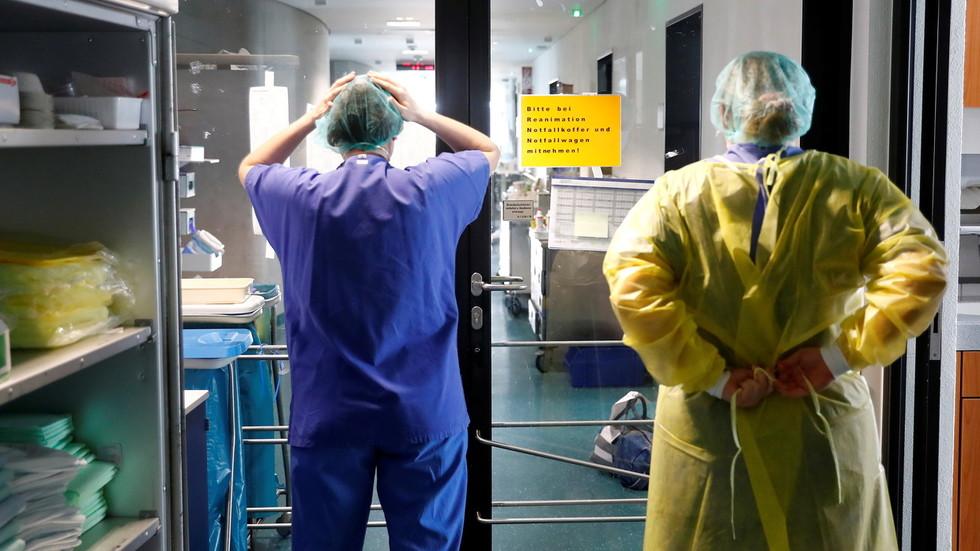 Vertrauen in Regierungen wegen Covid-Pandemie gesunken