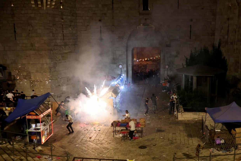 Sie wollen nicht, dass wir beten! Bei Zusammenstößen zwischen Palästinensern und israelischer Polizei, gab es mindestens 80 Verletzte, darunter ein Baby