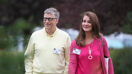 Bill Gates & wife Melinda to divorce after 27 years together & building a $127 billion fortune thumbnail