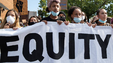 FILE PHOTO: Protesters march for reforms to the justice system in Portland, Oregon.