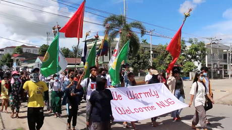 People march in support of the National Unity Government in Dawei, Myanmar (FILE PHOTO) © in this still image taken from a video. DAWEI WATCH via REUTERS