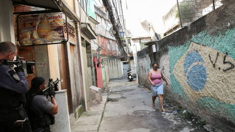 25 killed in Rio de Janeiro shoot-out as Brazilian police clash with drug cartel in favela (VIDEOS) - rt