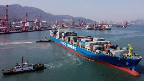 FILE PHOTO: The Lianyungang Port Container Terminal in Lianyungang, Jiangsu province, China © AFP / Hector Retamal