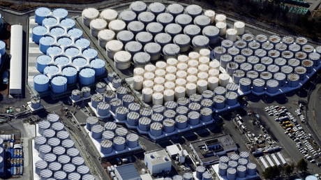 An aerial view shows the storage tanks for treated water at the tsunami-crippled Fukushima Daiichi nuclear power plant in Okuma town, Fukushima prefecture, Japan (FILE PHOTO) © Picture taken February 13, 2021. Kyodo/via REUTERS