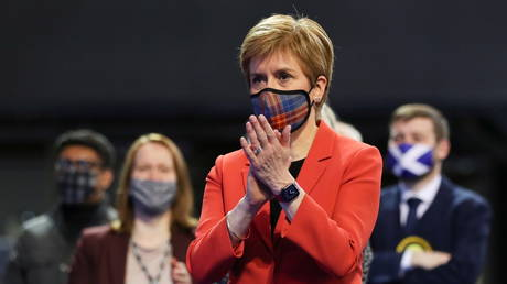 Nicola Sturgeon reacts as votes are counted for the Scottish Parliamentary election, in Glasgow, Scotland, May 7, 2021 © Reuters / Russell Cheyne