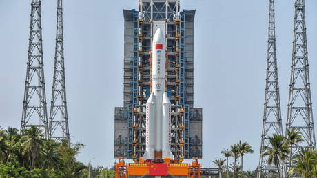 The Long March-5B Y2 rocket, carrying the core module of China's space station Tianhe, sits at the launch pad of Wenchang Space Launch Center in Hainan province, (FILE PHOTO) © cnsphoto via REUTERS