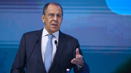 """Russian Foreign Minister Sergei Lavrov delivering a speech at the """"New Knowledge"""" forum in Moscow, Russia. © AFP / RUSSIAN FOREIGN MINISTRY"""