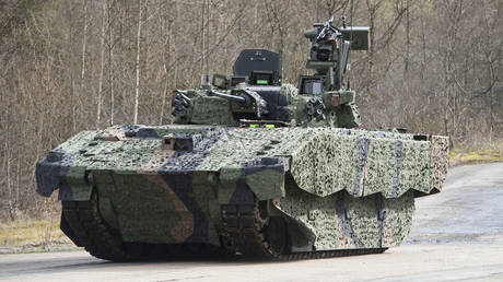An Ajax prototype seen near its future assembly plant in site in Merthyr Tydfil, Wales, March 4, 2016 © UK Ministry of Defence