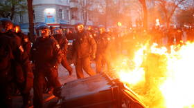 Streets set on fire as police and May Day protesters battle in Berlin (VIDEOS)