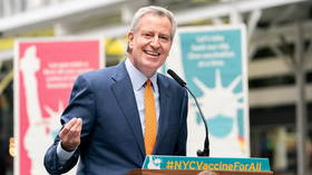 NYC Mayor Bill de Blasio mocked for promising free fries for getting Covid-19 vaccines, awkwardly eating burger at presser (VIDEO)
