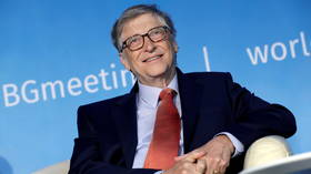 I never thought I'd feel sorry for Bill Gates, but the media's pro-Melinda propaganda has again proved rich men should NEVER marry