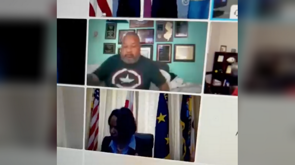 US Congressman attends Zoom hearing in pajamas, showing stomach & boxers to shocked colleagues (VIDEO)