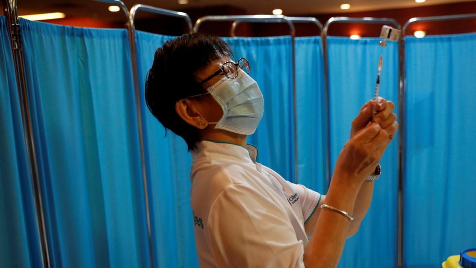 Dringender offener Brief: Ärzte in Singapur rufen dazu auf, die Covid-Impfung von Teenagern zu STOPPEN