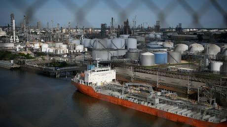 FILE PHOTO: The Houston Ship Channel and adjacent refineries, part of the Port of Houston. ©REUTERS / Loren Elliott