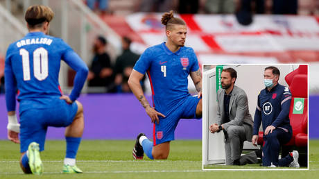 England took the knee ahead of their match against Romania © Lee Smith / Reuters