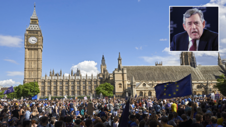 FILE PHOTO. Thousands of protesters gather in Parliament Square as they take part in a March for Europe, through the centre of London, to protest against Britain's vote to leave the EU. © AFP / Niklas HALLE'N; (inset) Former British Prime Minister Gordon Brown. © AFP / PIUS UTOMI EKPEI.