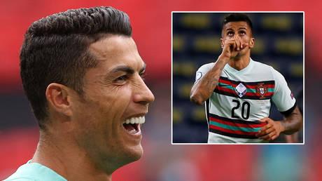 Cristiano Ronaldo (left) and Joao Cancelo © Bernadett Szabo / Reuters | © Reuters / Rafael Marchante