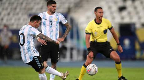 Lionel Messi scores for Argentina © Ricardo Moraes | © Sergio Moraes / Reuters