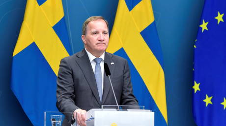 FILE PHOTO: Sweden's Prime Minister Stefan Lofven attends a news conference after the no-confidence vote in the Swedish parliament, in Stockholm, Sweden June 21, 2021. © TT News Agency/Andres Wiklund via REUTERS