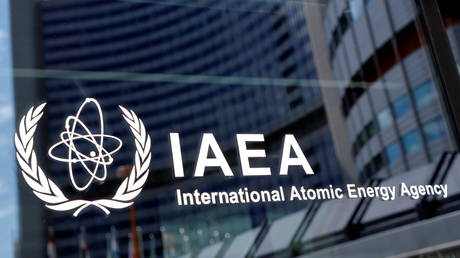 The logo of the International Atomic Energy Agency (IAEA) is seen at their headquarters in Vienna. © Reuters / Leonhard Foeger