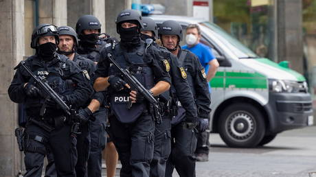 Police patrol in the German town of Wuerzburg after a stabbing attack on June 25, 2021 © Reuters / Heiko Becker