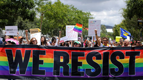 FILE PHOTO: The annual Pride Parade is replaced with a Resist March in West Hollywood, California, U.S. June 11, 2017. © REUTERS/Mike Blake