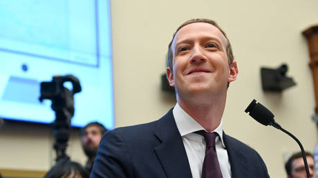 FILE PHOTO: Facebook CEO Mark Zuckerberg testifies at a House Financial Services Committee hearing in Washington, DC, October 23, 2019 © Reuters / Erin Scott