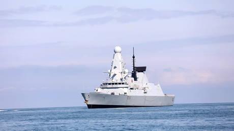 The British Royal Navy warship HMS Defender approaches the Black Sea port of Batumi, Georgia, June 26, 2021. © Reuters / Ministry of Internal Affairs of Georgia
