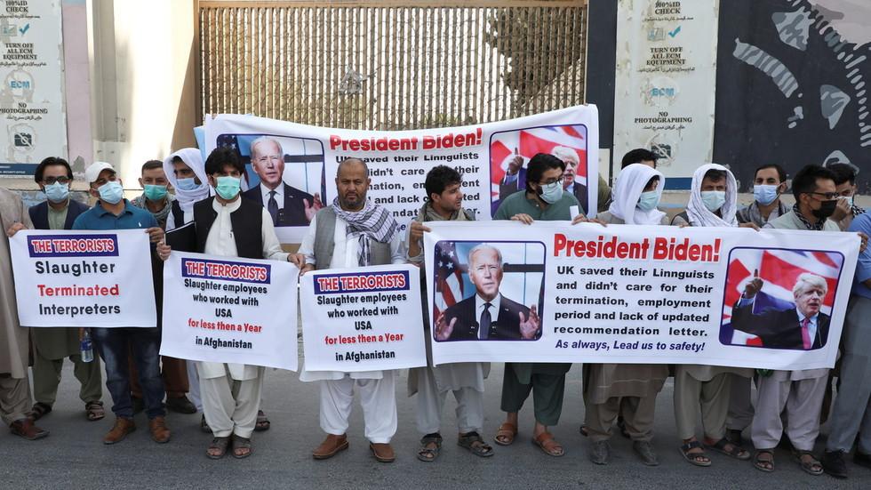 Tunisian president imposes night CURFEW, tells opponents