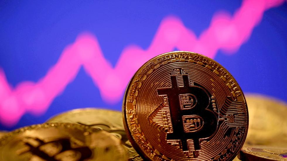 Bitcoin bulls back as world's top crypto surges towards $40,000