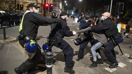 FILE PHOTO. Police officers arrest a protester during a Kill The Bill demonstration on April 03, 2021 in Bristol, England. © Getty Images /  Finnbarr Webster