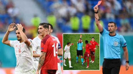 Michael Oliver took the headlines as Switzerland went down to ten men against Spain © Anton Vaganov / Reuters | © Kirill Kudryavtsev / Reuters