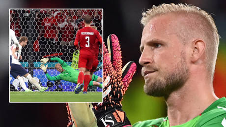 Kasper Schmeichel had a tricky evening as Denmark lost to England © Andy Rain / Reuters   © Carl Recine / Reuters