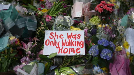 A floral tribute to Sarah Everard in London, UK, March 2021. © Daniel Leal-Olivas/AFP