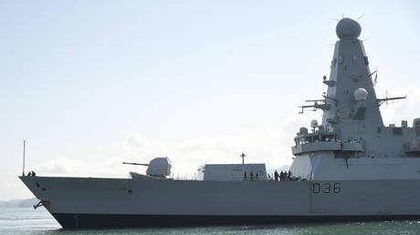 British Royal Navy destroyer HMS Defender arrives in the Black Sea port of Batumi on June 26, 2021. © Irakli GEDENIDZE / AFP