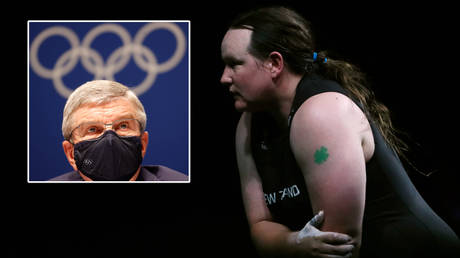 Olympics chief Thomas Bach (left) has discussed Laurel Hubbard © Phil Noble / Reuters | © Paul Childs / Reuters