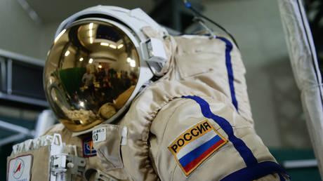 FILE PHOTO. An Orlan MK Russian spacewalking spacesuit at the Yuri Gagarin Cosmonaut Training Center. Russia is recruiting cosmonauts for a Moon flight. © Sputnik