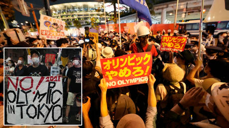 Protests were raised outside of the Tokyo Olympics 2020 opening ceremony © James Lang / USA Today Sports via Reuters | © Kirby Lee / USA Today Sports via Reuters