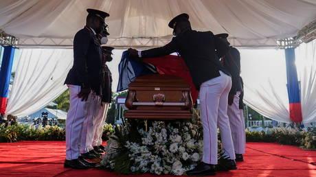 Gunshots and teargas reported at funeral of slain Haitian president Jovenel Moïse - rt