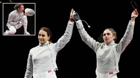 Sofia Pozdniakova edged out Sofya Velikaya in an all-Russian Olympics fencing final © Maxim Shemetov / Reuters