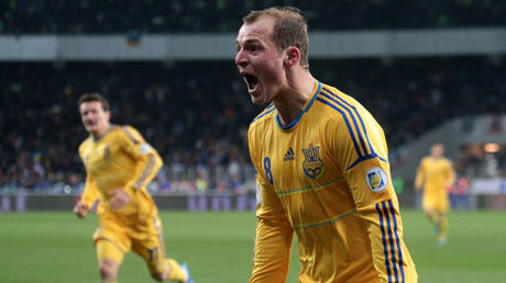 Roman Zozulya, pictured in action for Ukraine, has been accused of being a Nazi © Konstantin Chernichkin / Reuters