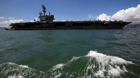 FILE PHOTO: US aircraft carrier USS Ronald Reagan © Reuters / Bobby Yip