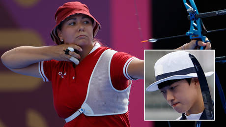 Elena Osipova (left) lost to An San in an archery thriller at the Olympics © Geoff Burke / USA Today Sports via Reuters