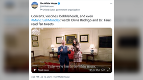 'Fauci ouchie': WH releases 'cringe' video of health adviser reading glowing tweets about himself & Covid-19 vaccine